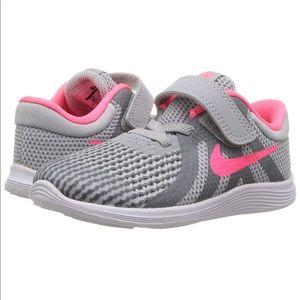 Nike Revolution 4 TDV Wolf Gray Racer Pink